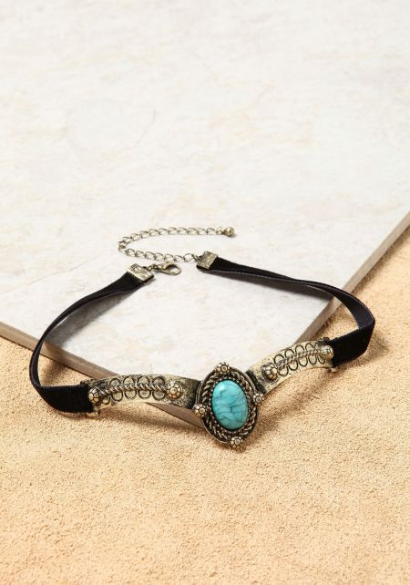 Turquoise Engraved Pendant Choker
