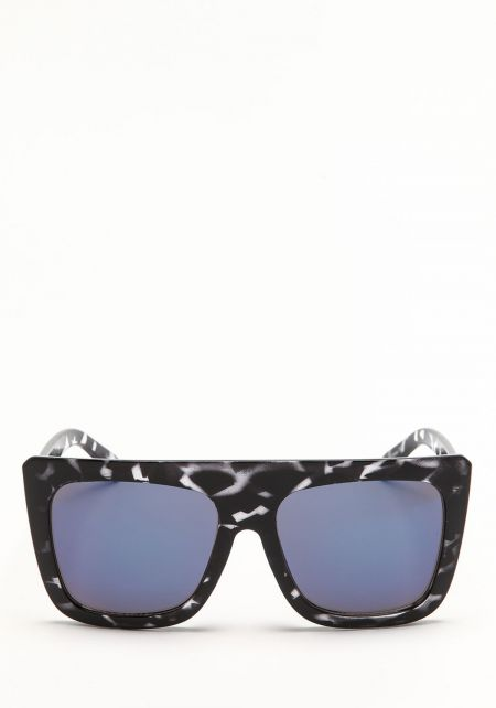 Quay Cafe Racer Sunglasses in Blue