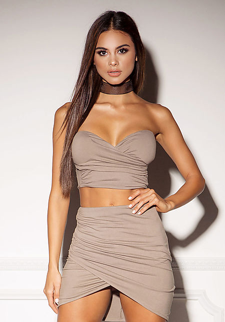 Mocha Cross Over Ruched Crop Top