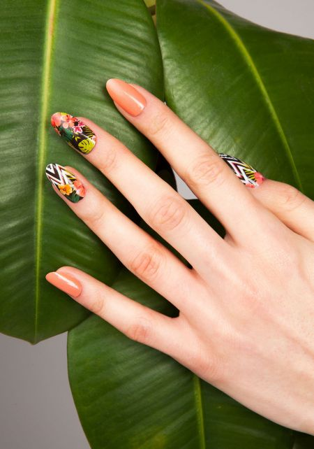 Aloha Nail Wrap by Thumbs Up UK
