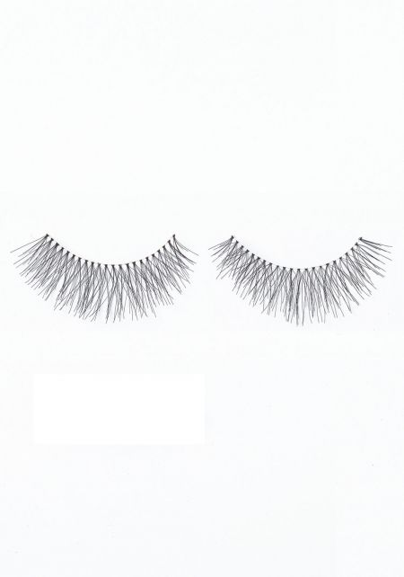 Black Eyelashes (#747L)