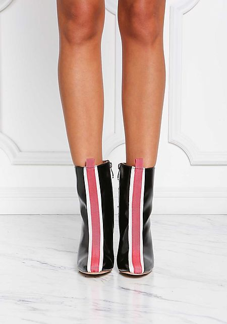 Cape Robbin Black Leatherette Front Stripe Booties