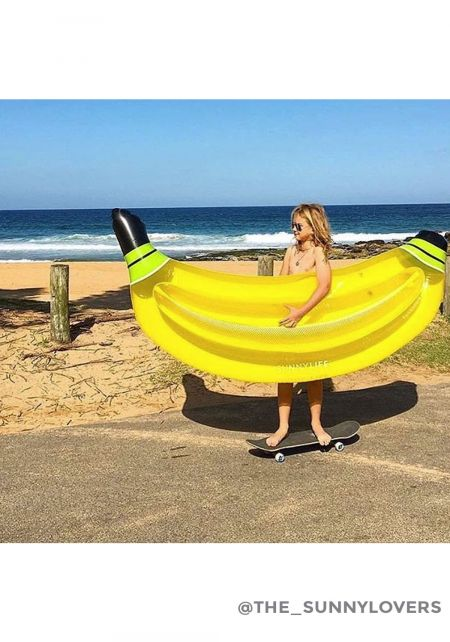 SunnyLife Luxe Lie-On Banana Pool Float