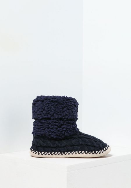 Navy Cable Knit Bootie Slippers