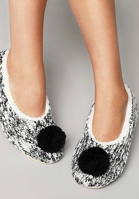 Black and White Pom Pom Yarn Sock Slippers