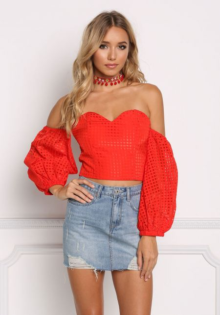Red Off Shoulder Sweetheart Grid Crop Top