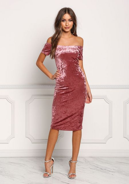 Dark Pink Off Shoulder Crushed Velvet Bodycon Dres