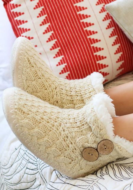Oatmeal Faux Fur Yarn Bootie Slippers