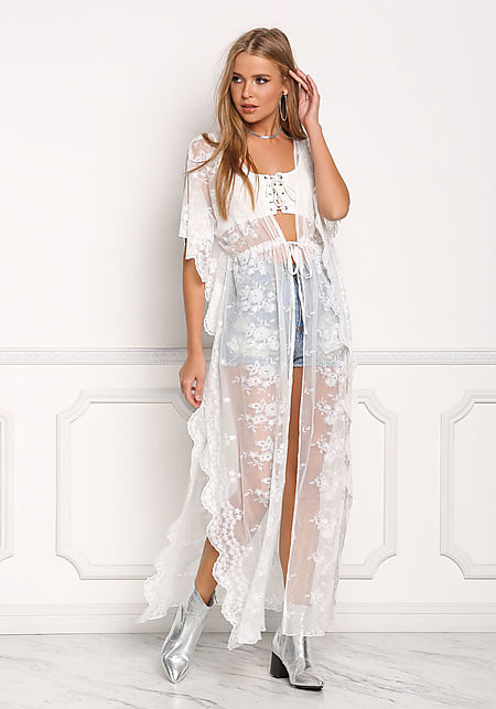 Off White Lace Embroidered Scallop Kimono