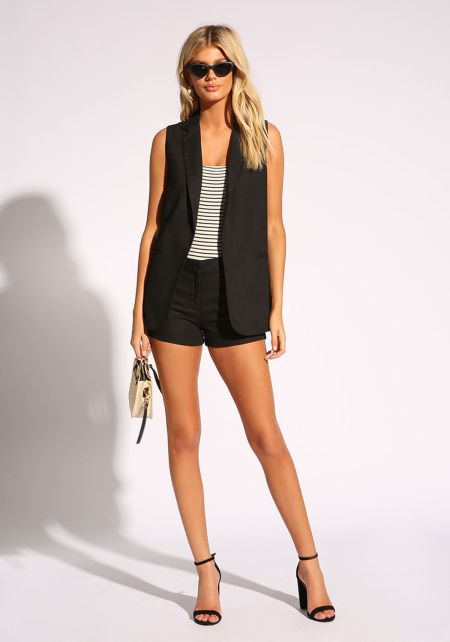 Black Linen Mid Rise Shorts