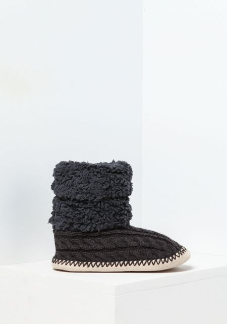 Grey Cable Knit Bootie Slippers