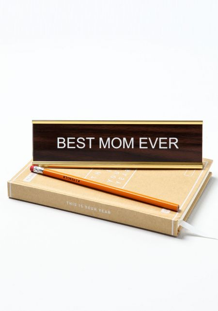 Junior Clothing Best Mom Ever Desk Plate