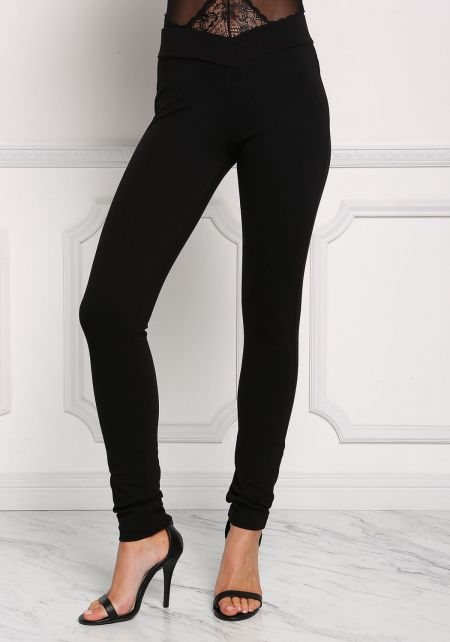 Black Mid Rise Pointed Pants